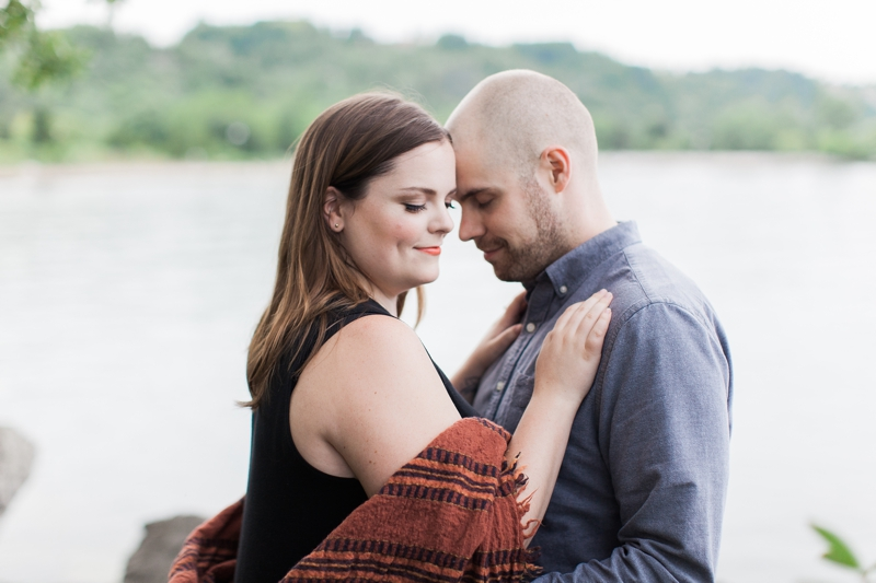 engagement shoot in scarborough bluffs