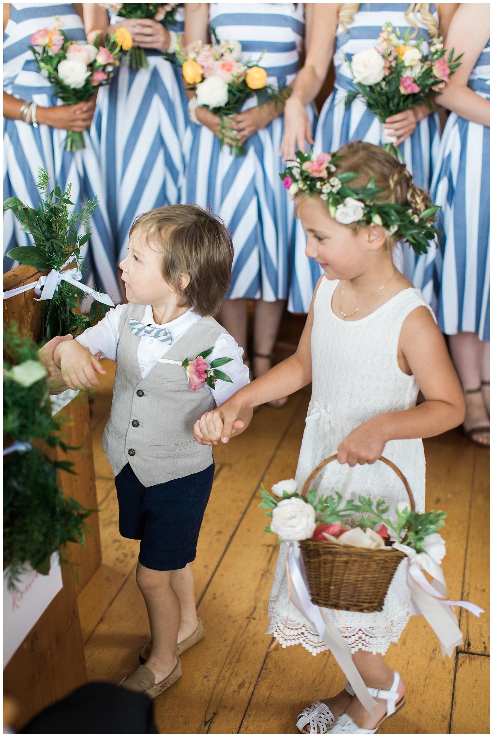 Flower girl and ring bearer walking down aisle at Guelph Ontario Wedding | Ontario Wedding Photographer | Toronto Wedding Photographer | 3photography