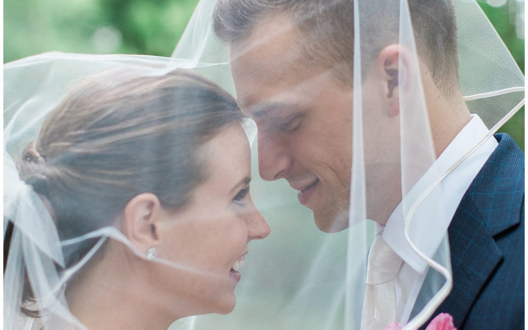 Low-key backyard Guelph, Ontario wedding