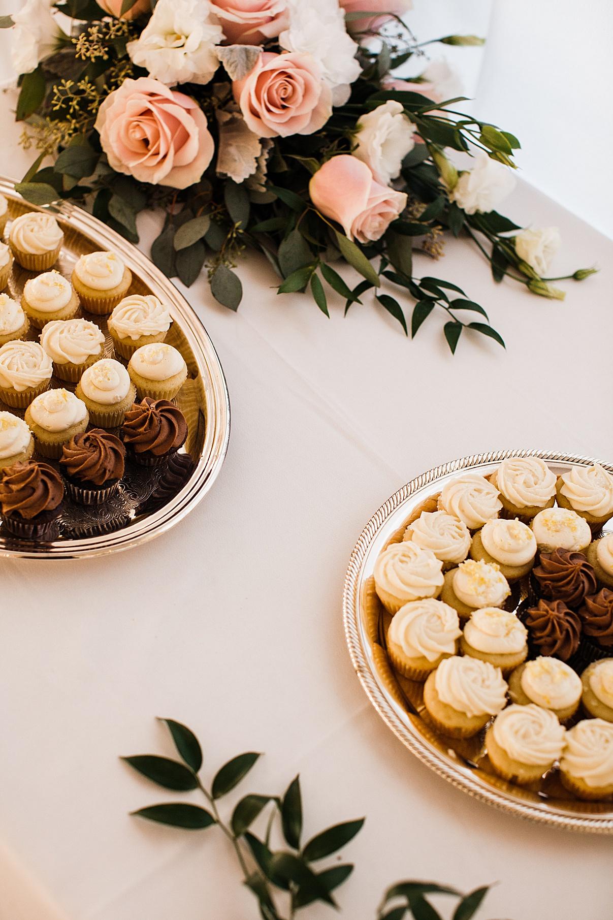Cupcakes at wedding reception| Harding Waterfront Estate Wedding| Ontario wedding photographer| Toronto wedding photographer| 3 Photography | 3photography.ca