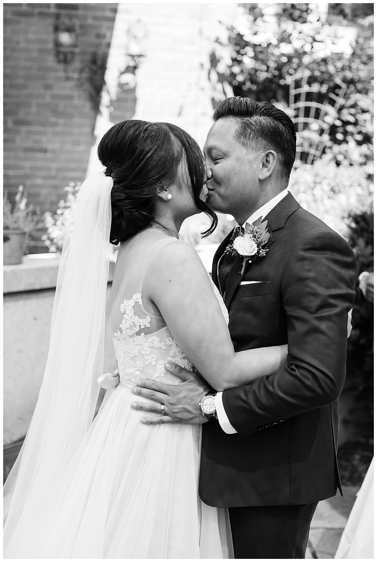 You may kiss the bride| The George Restaurant Wedding| Toronto Wedding Photographer| Ontario wedding photographer| 3photography