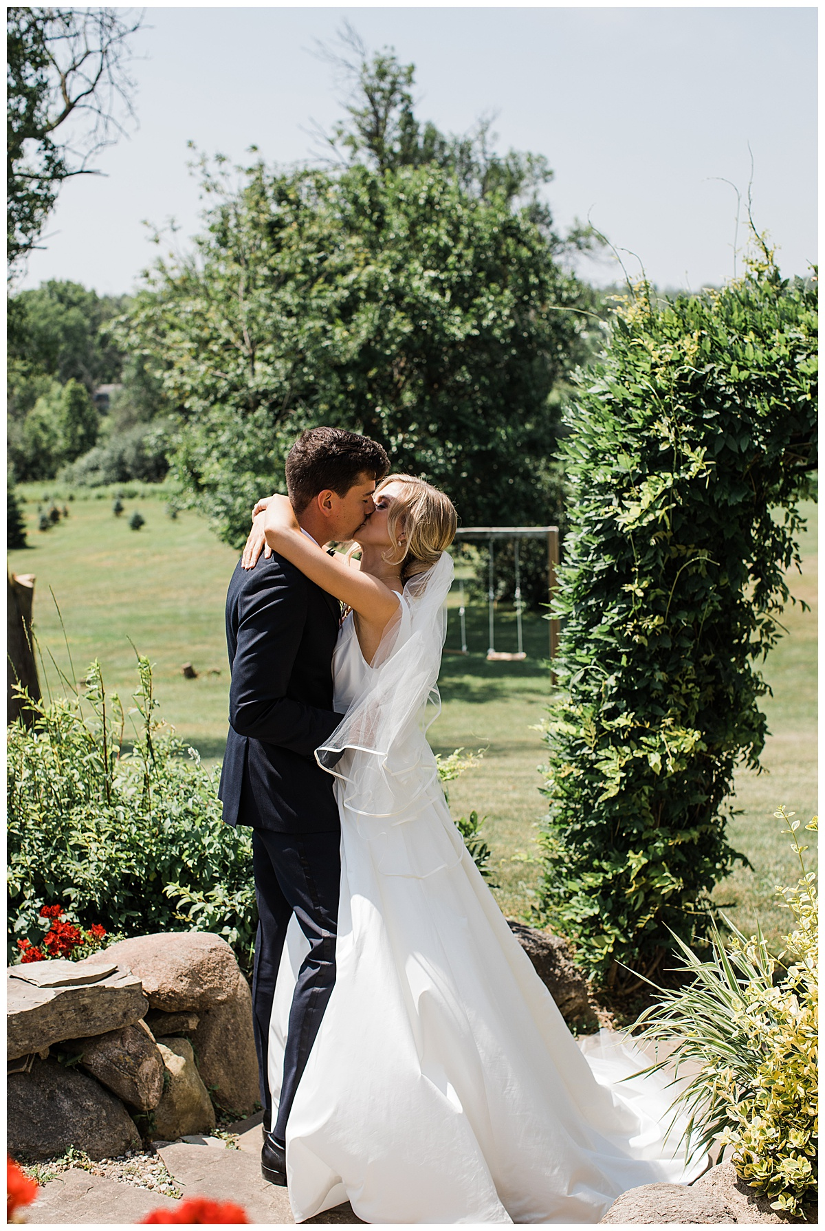 Kiss after first look  Ontario wedding  Ontario wedding photographer  Toronto wedding photographer  3photography