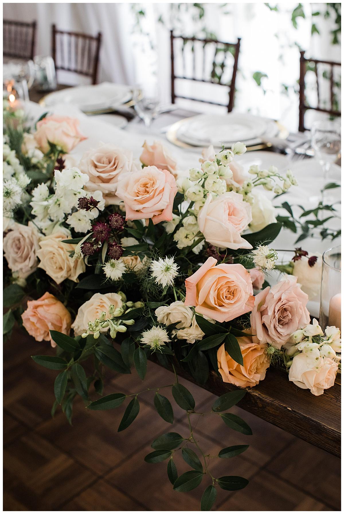 Wedding roses  Toronto wedding photographer  3photography