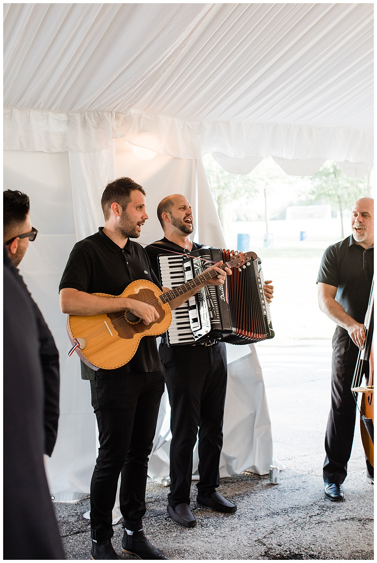 Live band at Ontario wedding  3photography