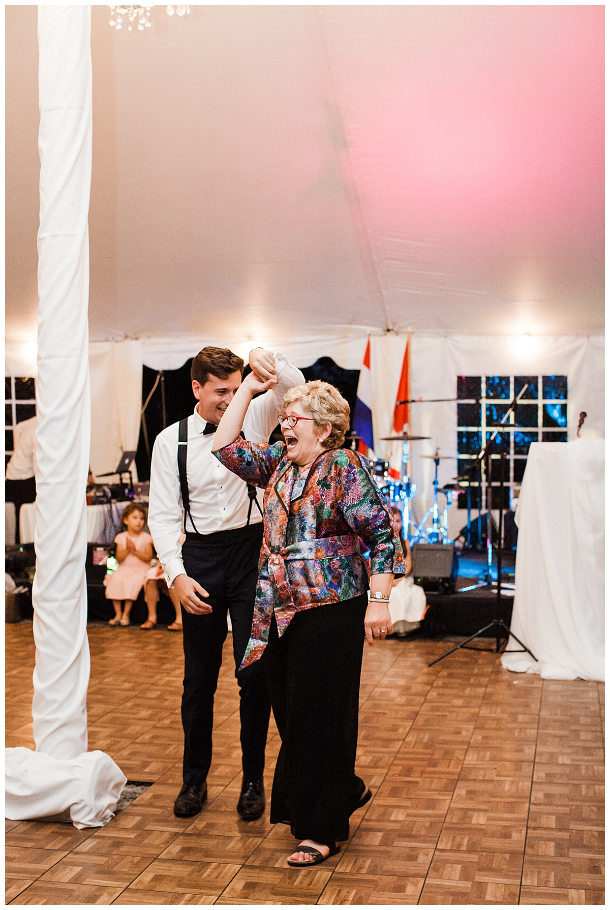 Mother of the groom dance  3photography